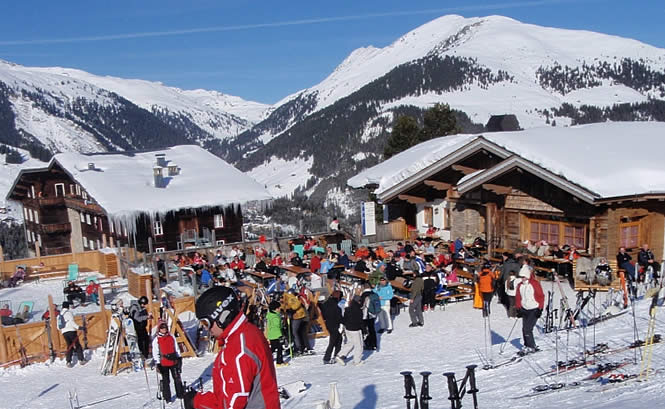 Apres Ski in Plattenalm next to the chalet in Austria, Ziller Valley Arena